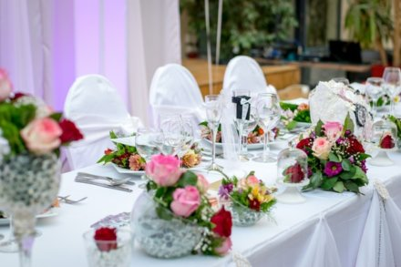 Why You Should Use a Local Wedding Caterer